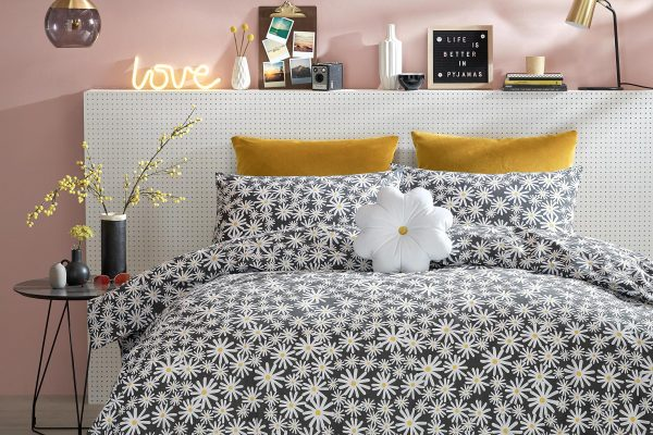 Daisy Bedding from Skinny Dip