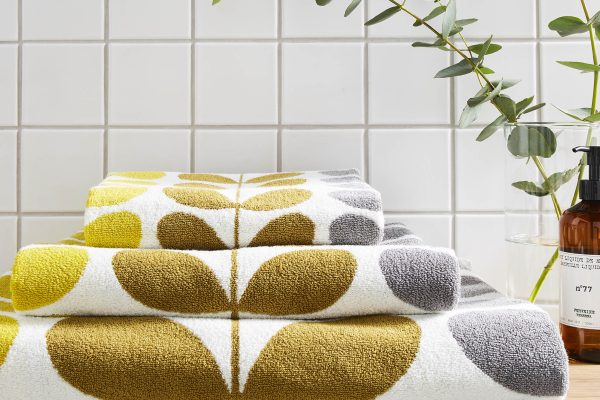 Trio Stem Dune Towels by Orla Kiely