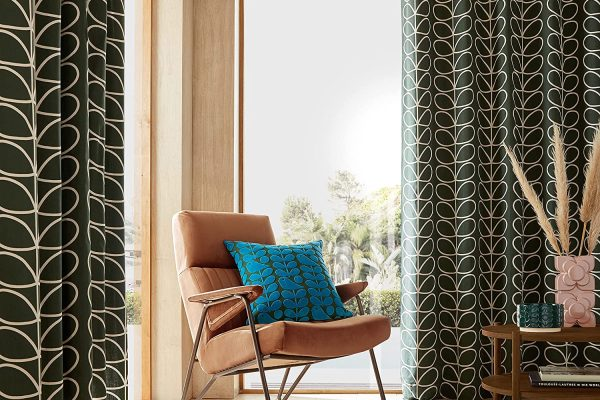 Orla-Kiely-Linear-Stem-Lined-Eyelet-Curtains-in-Evergreen
