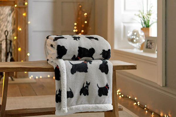 Sherpa-Reverse-Supersoft-Throw-in-Grey-with-Terrier-Scotty-Dogs-Repeated-Design-140cm-x-180cm